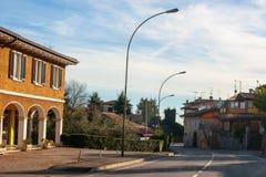 Stare Italy ulicy, desenzzano. Obrazy Royalty Free