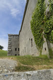 Stare kamienne ściany z bluszczem Nothe fort zdjęcie royalty free