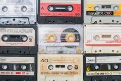 Stare kaset taśmy nad tłem Obraz Royalty Free