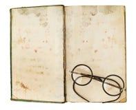 Stare książki z oczu szkłami zdjęcia stock