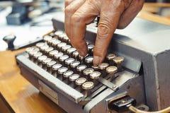 stare maszyny do pisania Rocznika maszyna do pisania maszyna Obrazy Stock