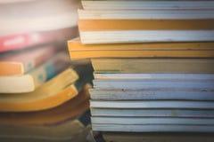 Stare praktyk książki z światłem Fotografia Stock