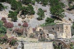 Stare ruiny Agia Roumeli wioska, wycieczkuje przez Samaria Iść Zdjęcia Royalty Free