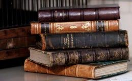 stare stosu książek Zdjęcia Stock