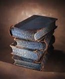 stare stosu książek Zdjęcia Royalty Free