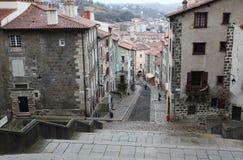 Stare wąskie ulicy w Le Puy En Valay, Francja Obraz Royalty Free