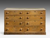 Starego oryginalnego rocznika drewniana sosna malował biuro, klatka piersiowa kreślarz obrazy royalty free