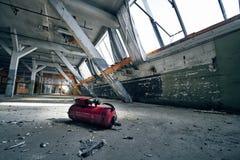 Starego przegranego abandonend budynku fabryczna sala Obraz Royalty Free