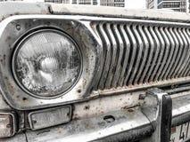 Starego retro rocznika modnisia ośniedziały utleniający chrom matrycował kruszcowego srebnego kaloryferowego grille i round szkla zdjęcie royalty free