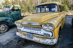Starego rocznika cheverolet żółty samochód Zdjęcie Stock