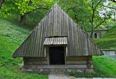 Starego stylu drewniany dom w etno parku Fotografia Royalty Free