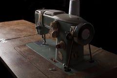 Stara szwalna maszyna Zdjęcia Stock
