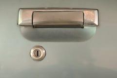 Starego używać samochodu srebra drzwiowa rękojeść Zdjęcia Royalty Free