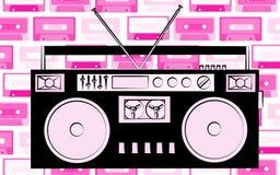 Starej czarnej retro rocznika modnisia antykwarskiej przestarzałej kasety taśmy dźwiękowa muzyczny pisak na tle różowa muzyczna a ilustracji