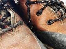 Starej czerwieni wysokości brudni buty Stara szkoła roczniki będący ubranym buty obrazy royalty free