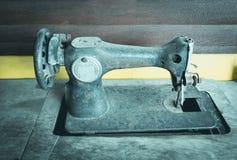 Starej rocznik ręki szwalna maszyna Zbliżenie szwalna maszyna Zdjęcia Stock