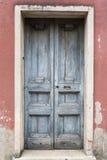 Starej rocznik zieleni drewniany drzwi Zdjęcie Royalty Free