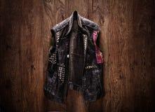 Starej szkoły punk rock skórzana kurtka obraz stock