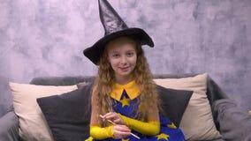 Stargazer με το μαγικό καπέλο ράβδων και μάγων απόθεμα βίντεο