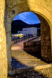Stari多数桥梁拱道入口,莫斯塔尔,波黑 库存照片