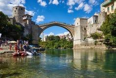 Stari a maioria de ponte velha em Mostar, em Bósnia e em Herzegovina foto de stock