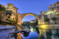 Stari mest, gammal bro, Mostar, Bosnien och Hercegovina fotografering för bildbyråer