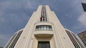 Staring at the building/ Mirando fijamente al edificio stock video