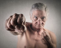 Stark äldre man arkivbilder