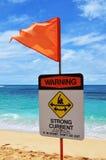 Starka strömmar för strandvarningstecken royaltyfri foto