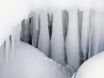 Starke Eiszapfen Stockfotos