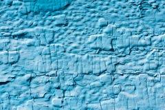 Starke Schicht blaue gebrochene Farbe auf dem Brett lizenzfreies stockfoto