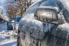 Starke Schicht des Eisbedeckungsautos lizenzfreie stockfotografie