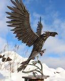 Starke Spannweite des stolzen Adlers gemacht vom Metall Stockbilder