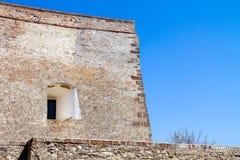 Starke Wand von Palanok-Schloss in der Stadt von Mukachevo Ukraine stockfoto