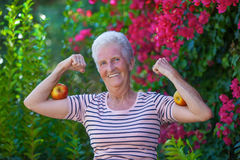 Starker aktiver Senior stockfotos