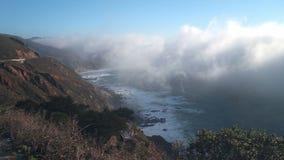 Starker Küstennebel in Big Sur stock video