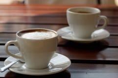 Starker Kaffee des Espressos zwei eingefleischt lizenzfreie stockbilder