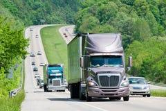 Starker Verkehr auf Autobahn Lizenzfreie Stockfotografie