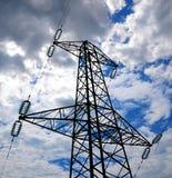 Starkstromleitungskontrollturm Stockfoto