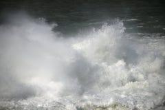 Starkt flödande vatten för abstrakt bild Fotografering för Bildbyråer
