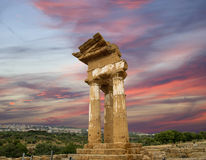 Starożytny Grek świątynia dolina świątynie Dioscuri, Agrigento, Sicily (V-VI wiek BC) Obrazy Stock