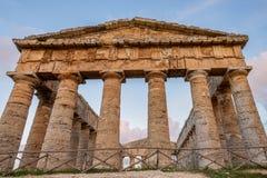 Starożytny Grek klasycznej architektury Świątynnych świątyni antyczna cywilizacja, Sicily zdjęcie royalty free
