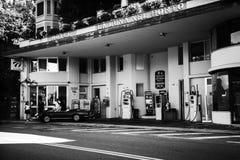 Staromodna benzynowa stacja Zdjęcia Royalty Free