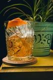 Staromodny klasyczny koktajl w krystalicznym szkle Fotografia Royalty Free