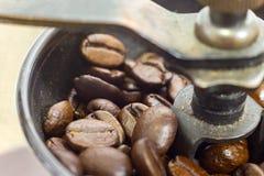 Staromodny ręczny kawowy ostrzarz Fotografia Stock