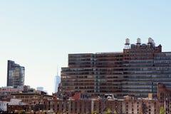Starrett-Lehigh byggnad som ses från den höga linjen i Manhattan Arkivbilder