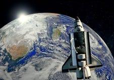 Starship ouvert sur le fond de la terre Espace extra-atmosph?rique