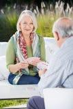 Starsi kobiet karta do gry Z mężczyzna Zdjęcia Royalty Free