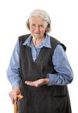 Starsi kobiety mienia lekarstwa nad bielem zdjęcia stock