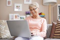 starsza kobieta domowa Obraz Stock